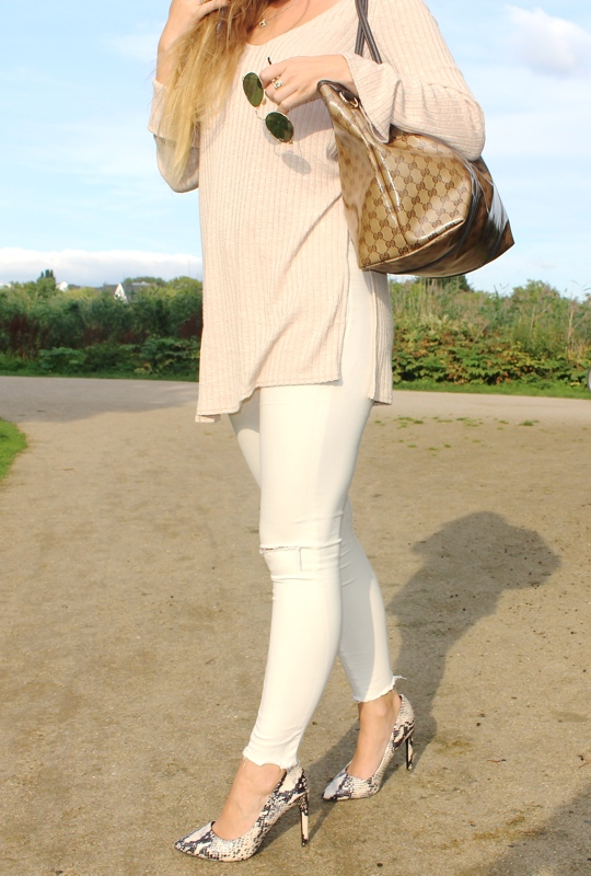 outfit beige